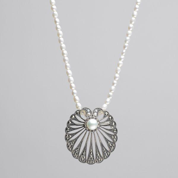 Perlencollier und Brosche »Lobelia«