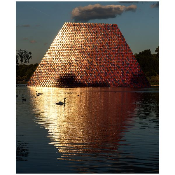 »The London Mastaba, 2018« von Christo, Motiv Nr. 17