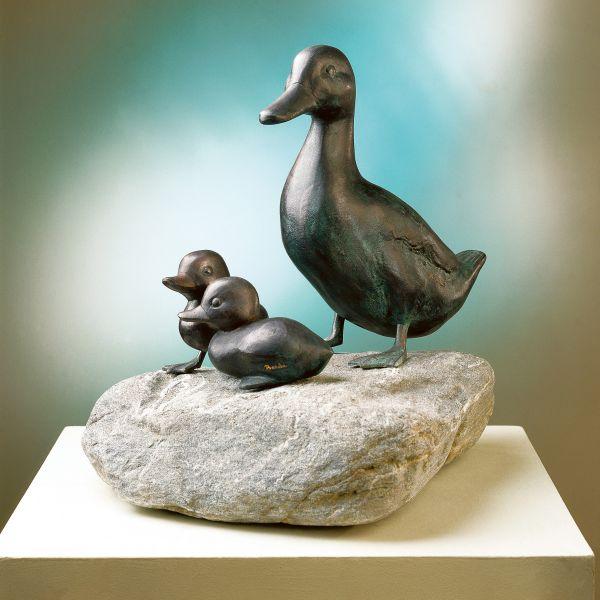 Gartenskulpturen »Entenmutter«