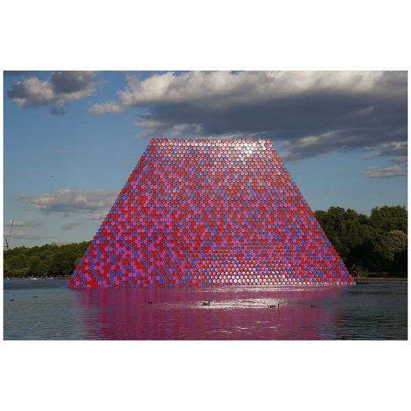 »The London Mastaba, 2018« von Christo, Motiv Nr. 16