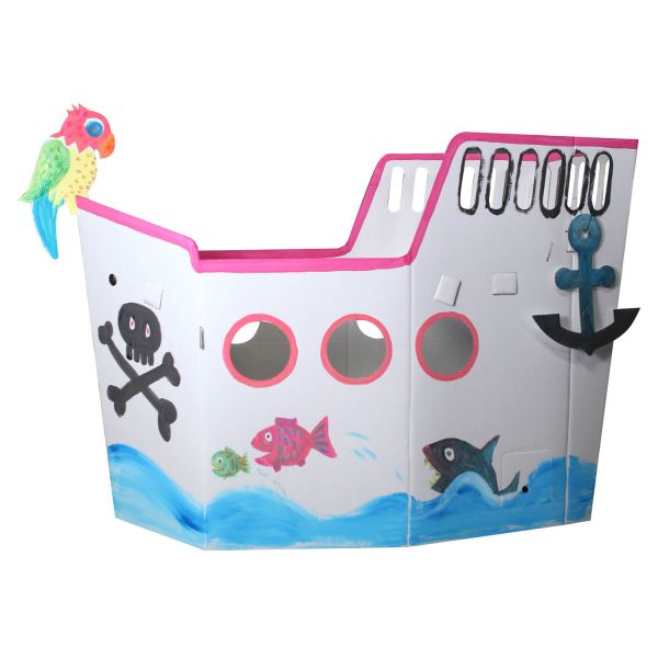 Piratenschiff aus stabiler Pappe
