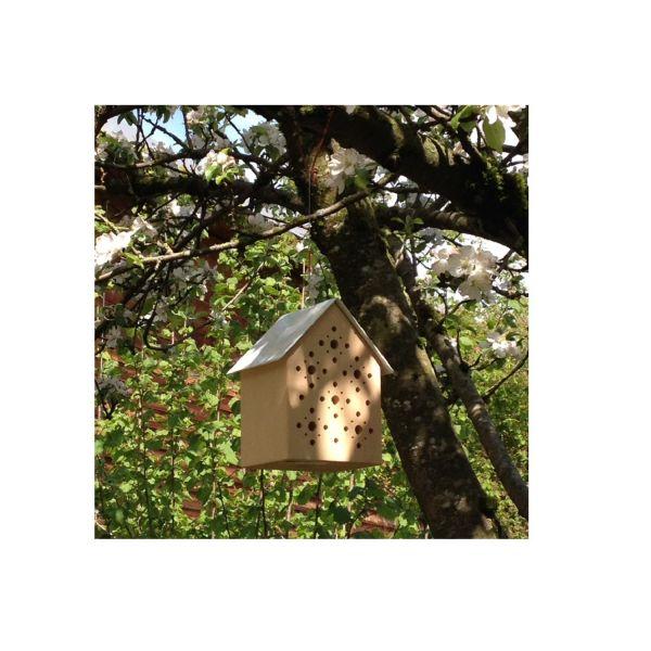 Bienenhotel »Bee's Inn«